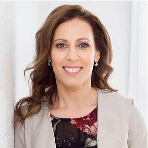 Portrait of therapist Kerri Steele